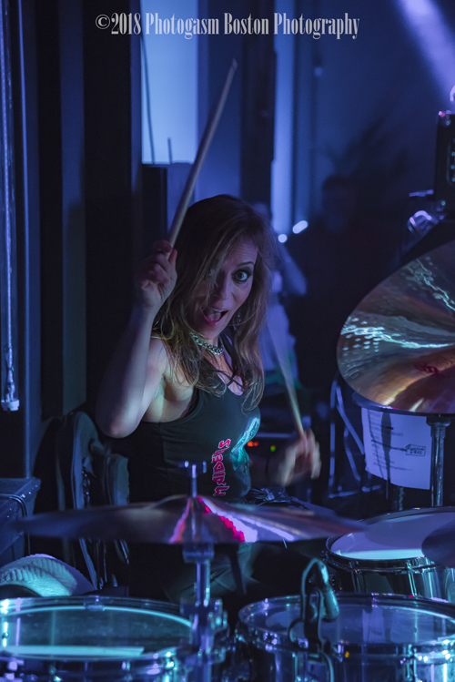 KNAC COM - Reviews - THE IRON MAIDENS In New Bedford, MA